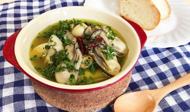 蒸し牡蠣レシピVol1 アヒージョ好きにはたまらない!「牡蠣のアヒージョ」【動画あり】