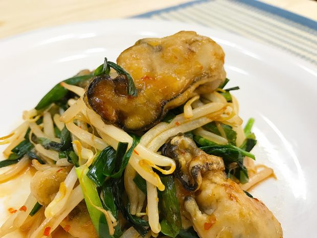 蒸し牡蠣 de レシピVol.7「牡蠣の中華風辛味炒め」【動画あり】