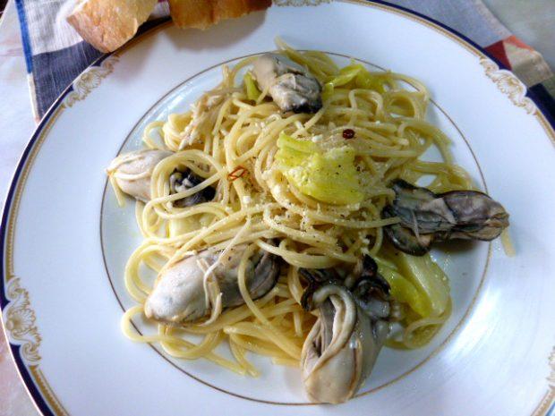 モニター様からのレシピ集「蒸し牡蠣のペペロンチーノ」