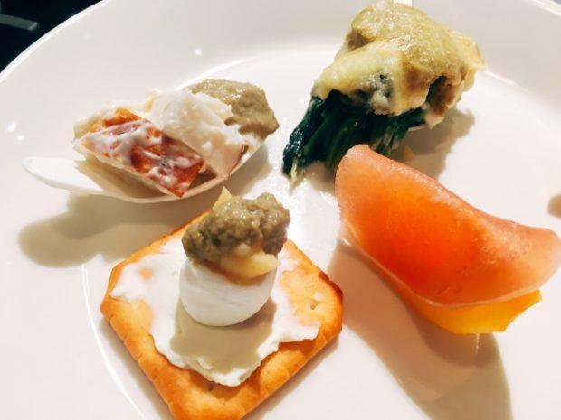 マルト水産、カンブライトが共同開発した「牡蠣みそ」の新商品発表記者会見を  11月23日「牡蠣の日」に開催します。