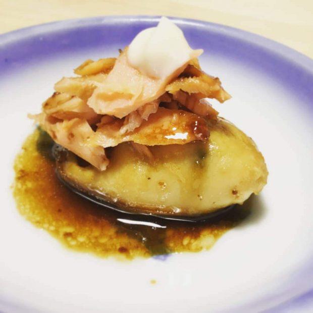 蒸し牡蠣 一粒レシピ「牡蠣のバター醤油ソテー鮭フレークのっけ」